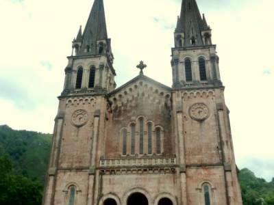 Descenso Sella - Lagos de Covadonga; viajes puente san jose; puente de constitucion;power walking